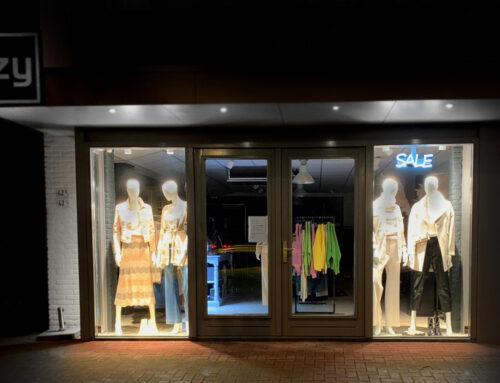 Retail sign – Izy Apeldoorn
