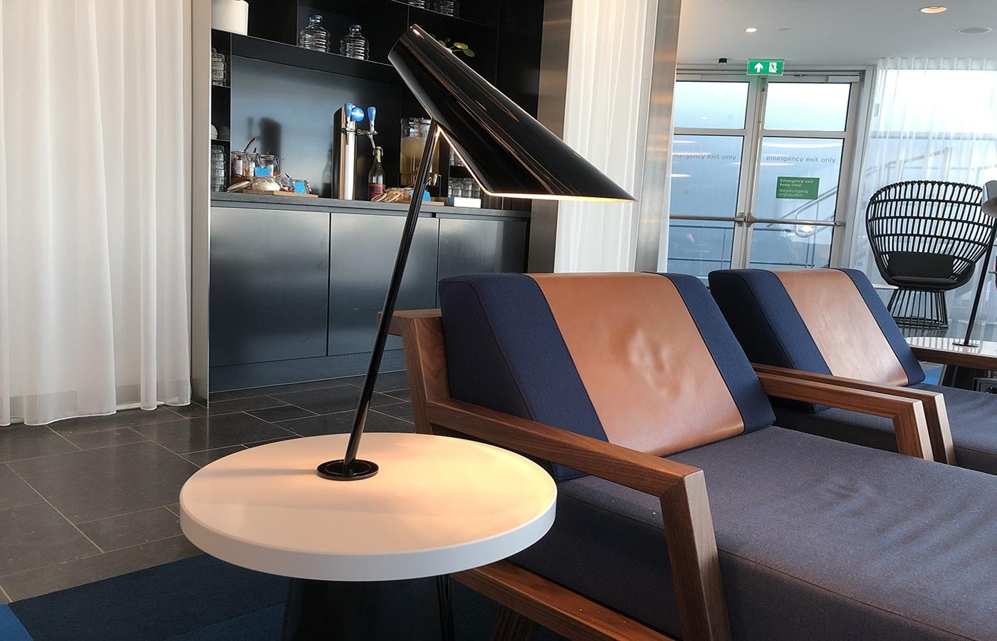 KLM Crown Lounge Heineken bar