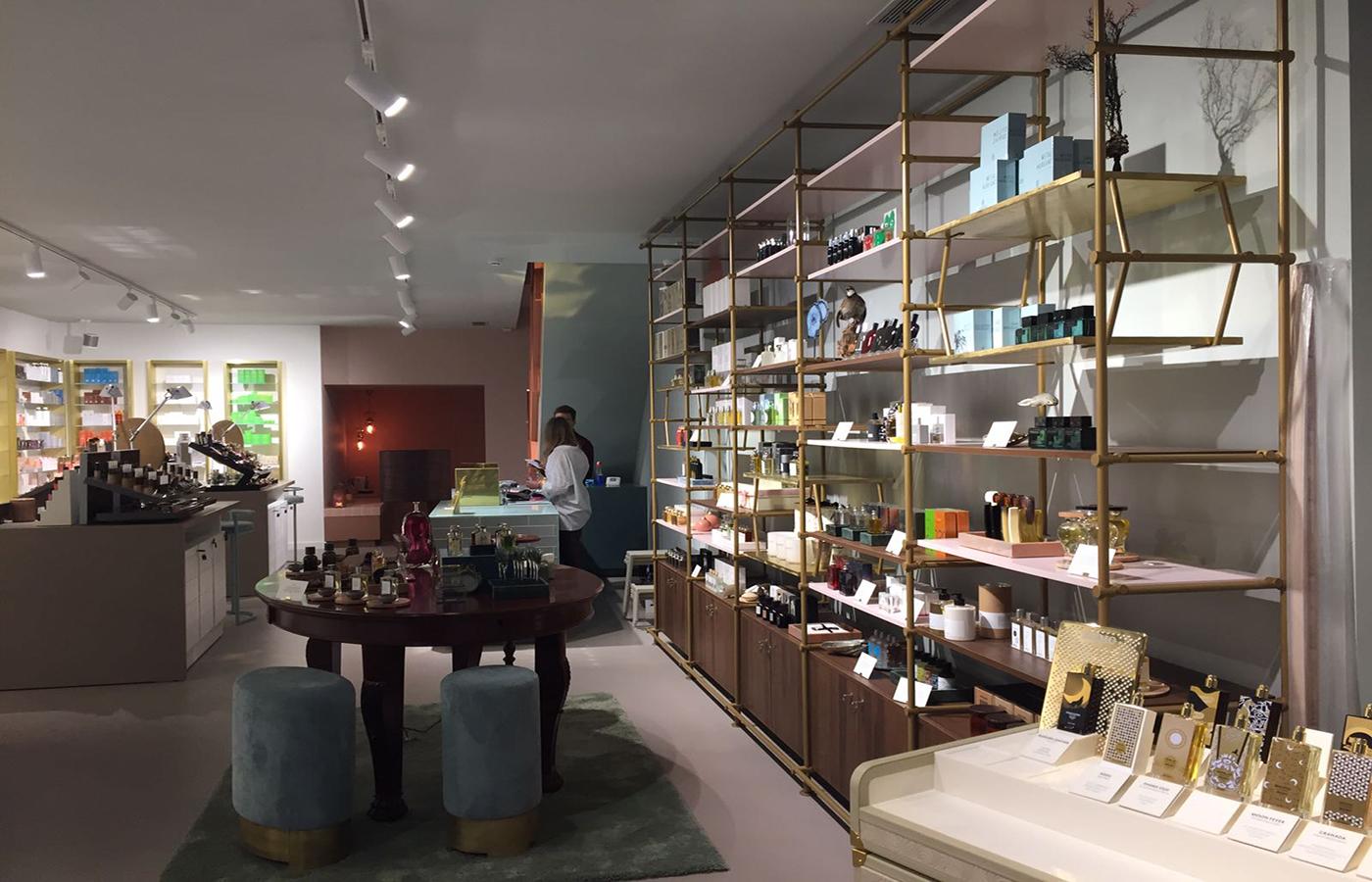 LEDSign project: Parfumerie